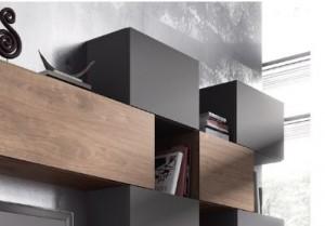 Paredes oscuras y muebles modernos